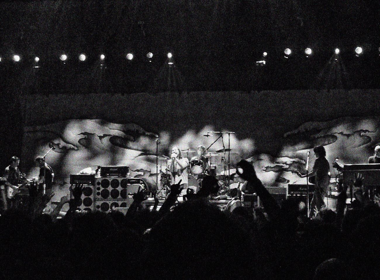 Pearl Jam Eddie Vedder Stone Gossard Jeff Ament Matt Cameron Mike McCready Blackandwhite Music Rock Grunge Musicians Music Brings Us Together London O2 Atmosphere Rocking Out Concert Concert Photography
