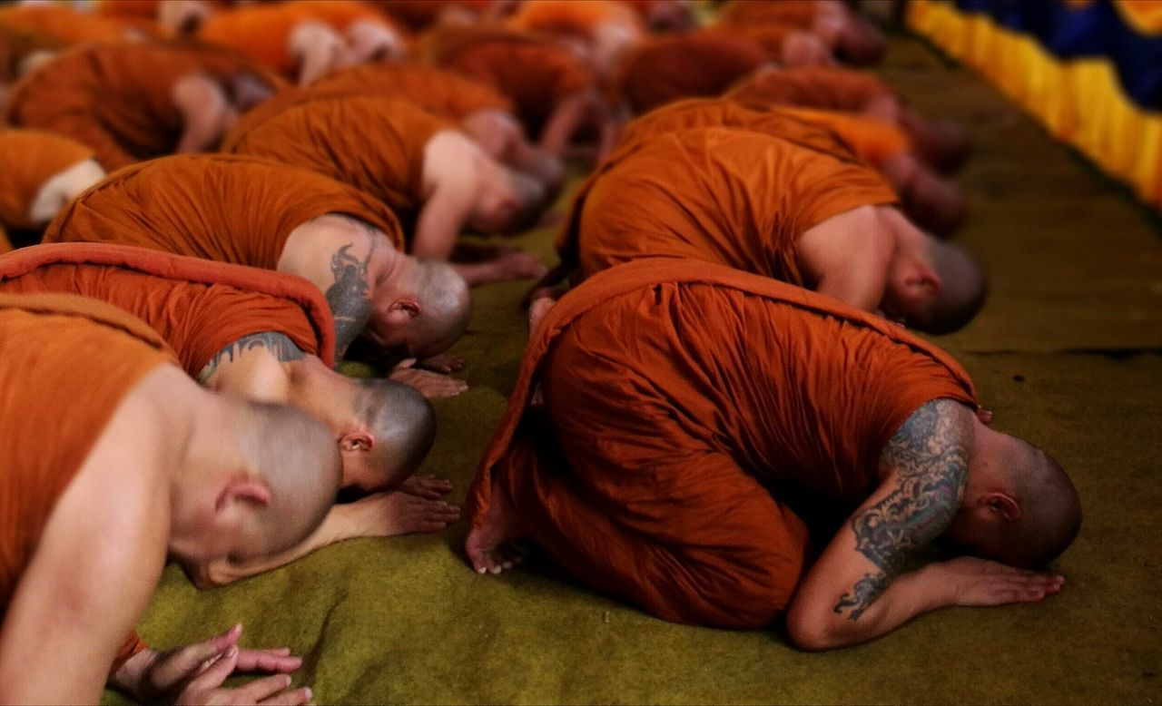 Monks Culture And Tradition Buddhist Monks Vesak Moment Peace Of Mind Peaceful Moment