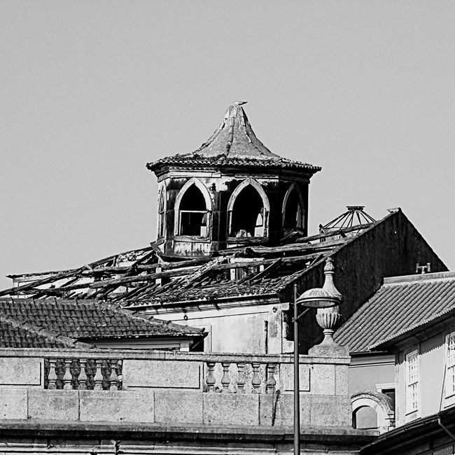 Portugal Porto Porto City Vol 2 Old Buildings Old But Awesome Blacj And White No People Building In Decay Beauty Of Decay Special👌shot Travel Taking You On My Journey 😎 Street Photography EyeEm Best Edits EyeEm Best Shots EyeEm Gallery Fresh On Eyeem