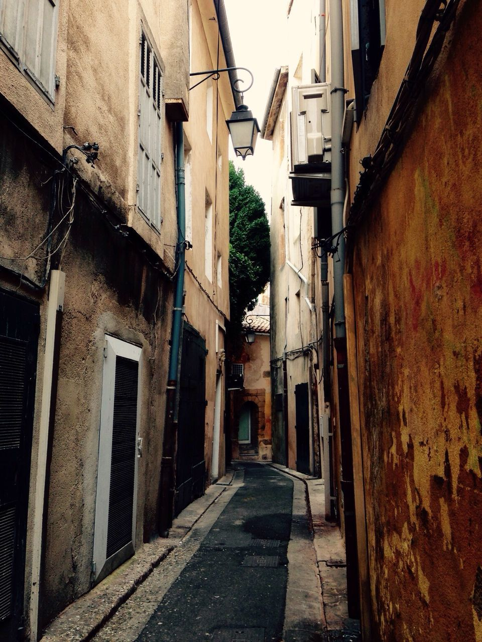 architecture, built structure, building exterior, the way forward, alley, no people, day, outdoors