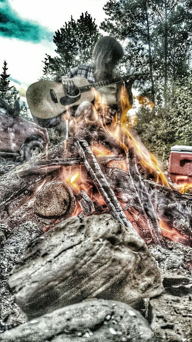 Hanging Out Taking Photos That's Me Relaxing Enjoying Life Coco'sPics Quebec, Canada Camping Campfire House Of Guitars Travels Guitarist Outdoors Guitar Addiction Guitar Love Acoustic