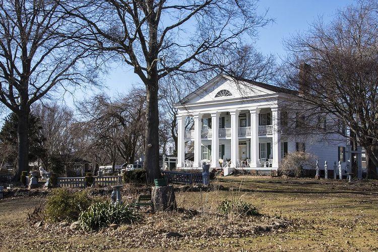 Staten Island wanderings: The Seguine Mansion. Wandering Around Staten Island New York Architecture