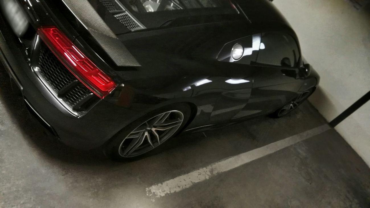 R8 Audi Audi R8 R8 Audi The New Black Tiefgarage Parking Parkt Parken Parkendes Auto Indoor Sportwagen Mit Stil Sport Style Sportscar Reflecting Light Garage Garagenlicht Welcome To Black