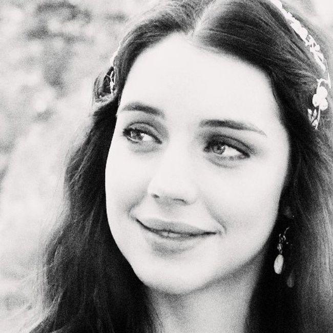 Аделаида Кейн Мария MaryStuartqueenofScotland актриса сериала царство Reign @adelaidekane