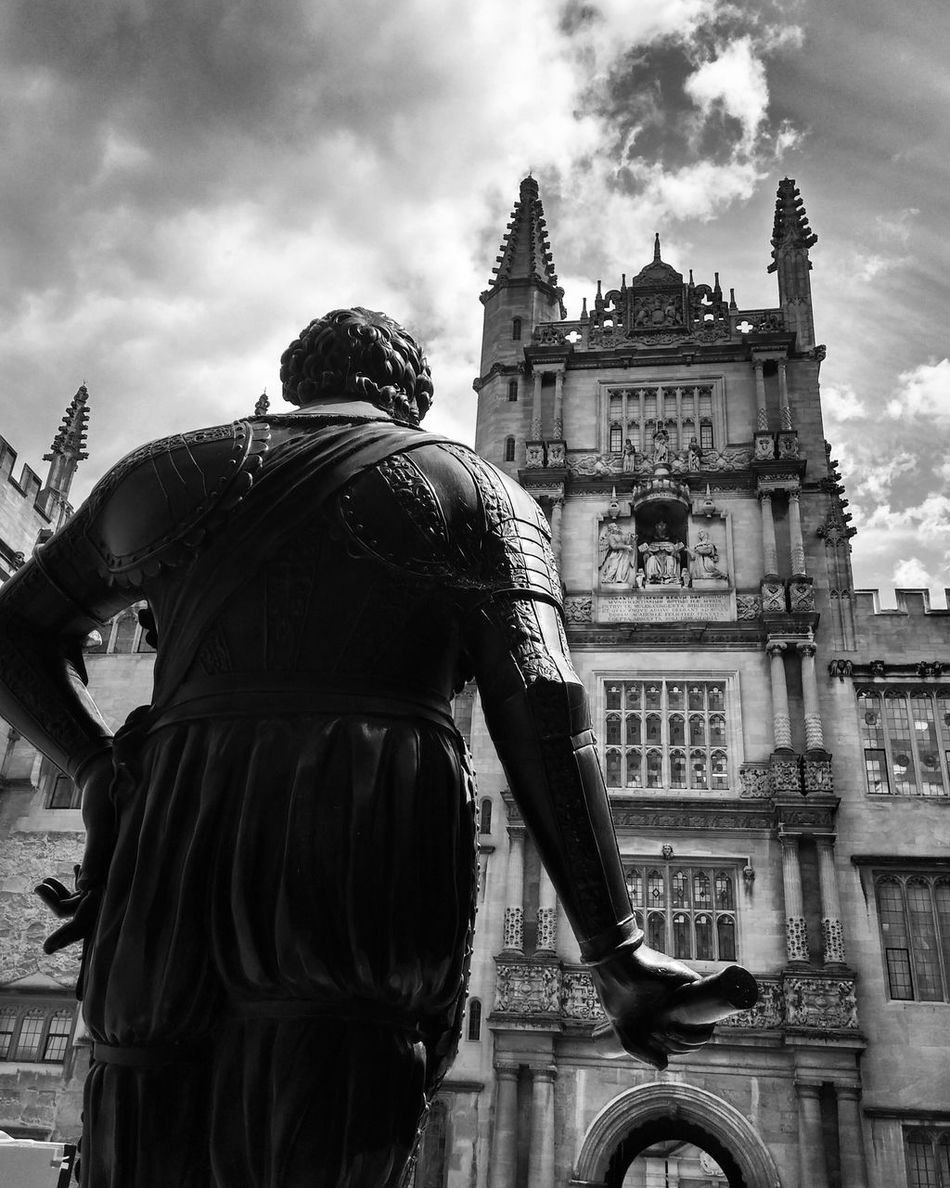 Oxford Oxfordlife Bodleian Library Back Sculpture Timeless LGg3photography Mobilephotography Bnw Blackandwhite Photography