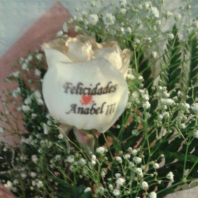 Que os parece esta super original forma de felicitar???, una rosa totalmente natural con el petalo tatuado. Http://graficflower.com Rosaadomicilio Rosasazules Rosastatuadas Rosas Rosaspersonalizadas RegaloDeCumpleaños Regalodeaniversario Regalooriginal Regalosdeaniversario Regalosanvalentin Regalooriginal