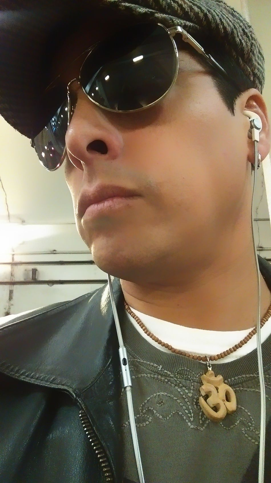 Serious Day Close-up Headshot Person Selfie Portrait Selfie Time! On My Way To Work Waiting For A Train Aviators Ivy Cap Trying To Look Cool Listening To Music