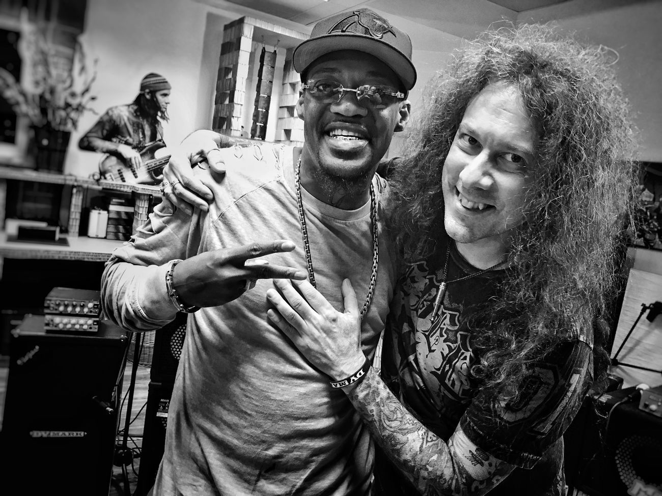 Eric Gales Two People City Lifestyles Friendship Cheerful Portrait Togetherness Real People Smiling Young Adult Indoors  Night Adult People