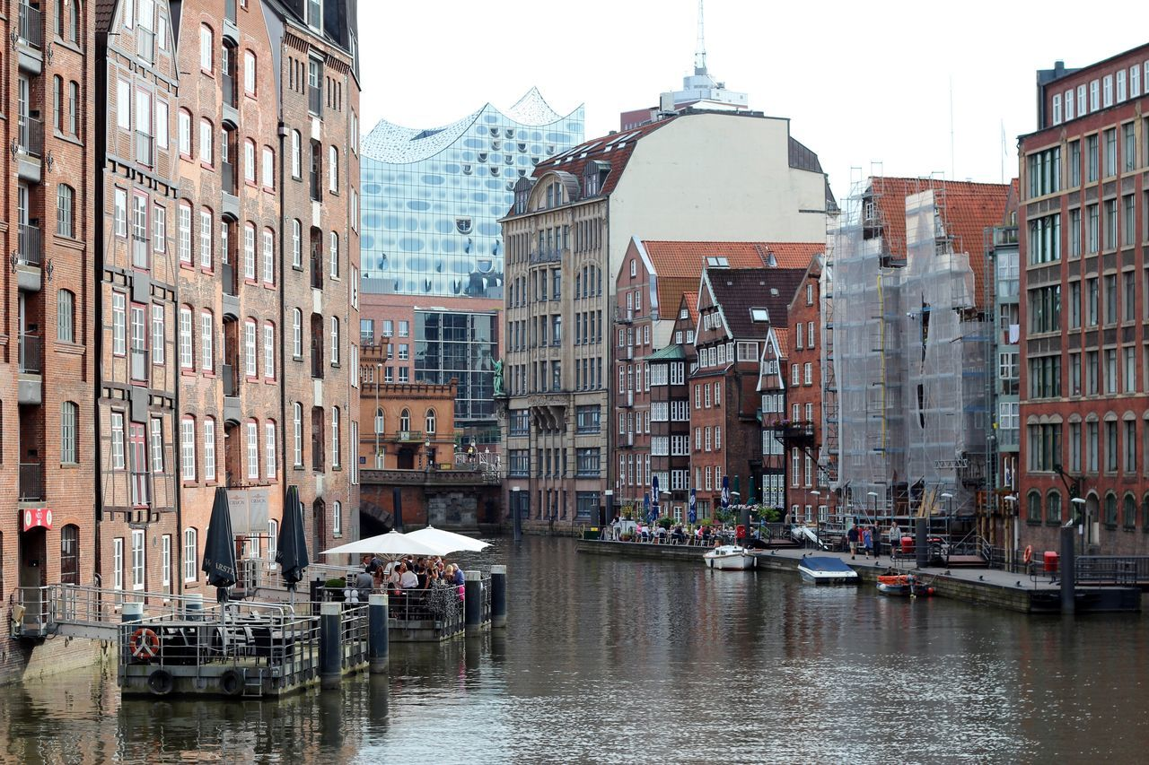 Canals Architecture Building Exterior Built Structure Cafe Canal City City Landscape Commercial Dock Day Germany Hamburg Having A Drink New Building  New Buildings Meet Historical Buildings Old Buildings Outdoors Philarmonic Relaxing Sky Small Boats Terrace Travel Destinations Water Waterway Windows
