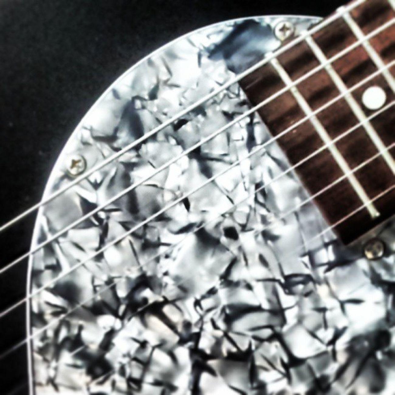 Variax Variaxguitar Motherofpearl Motherofpearlscratchplate guitar guitars