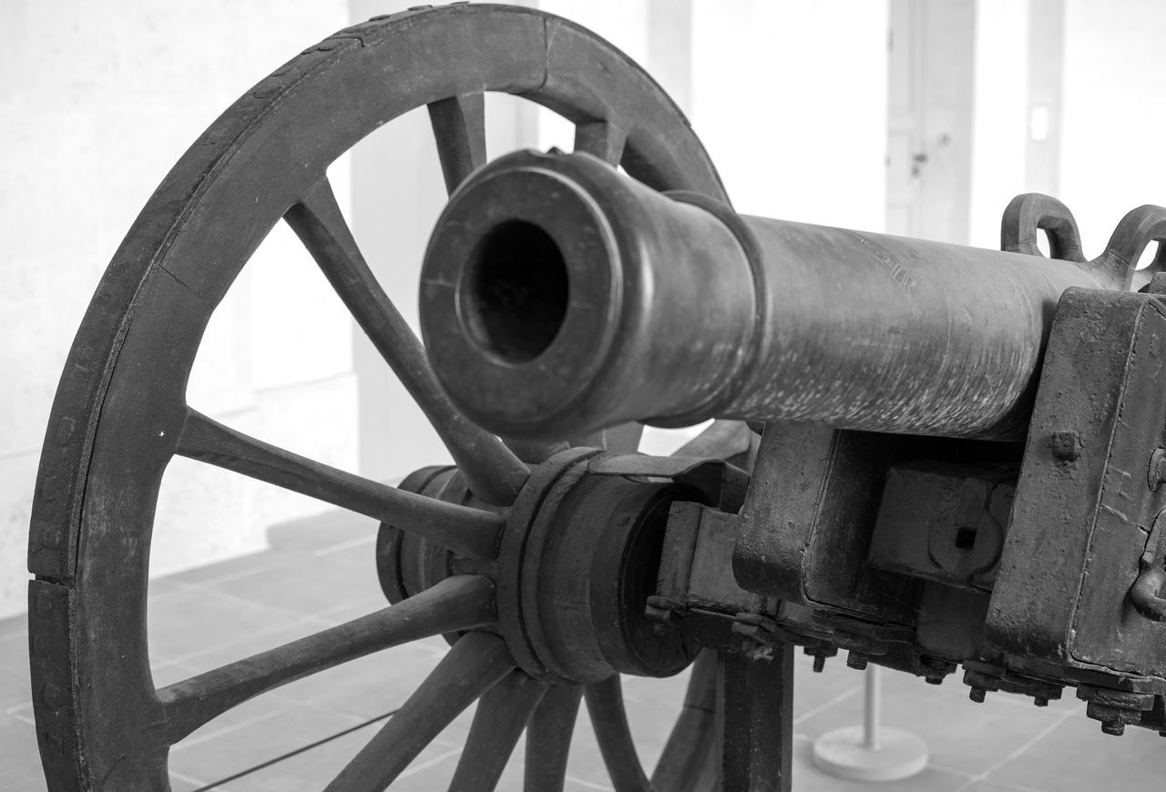 Blackandwhite Cannon Canon Check This Out Close-up Day Eye For Photography Eye4photography  EyeEm Best Shots EyeEm Best Shots - Black + White EyeEm Gallery EyeEmBestPics Hello World History Invalides  Military No People Outdoors Paris War Weapon