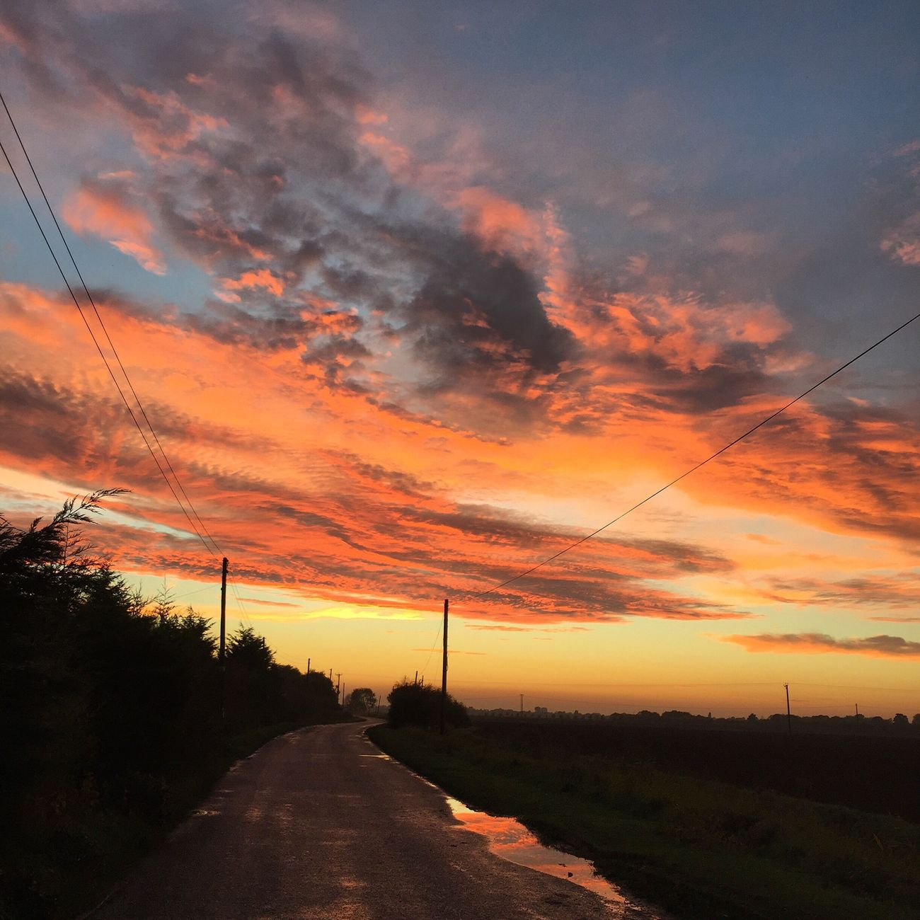I went to see the sun go down.... on our road Homesweethome Home Is Where The Art Is Sunset England Country Life BigSkyCountry
