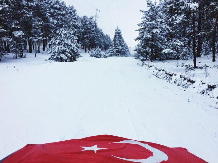 Türkiye Sivaskoyulhisar Sivas Flag Snow Snow ❄ Kar Bayrak Cute Taking Photos