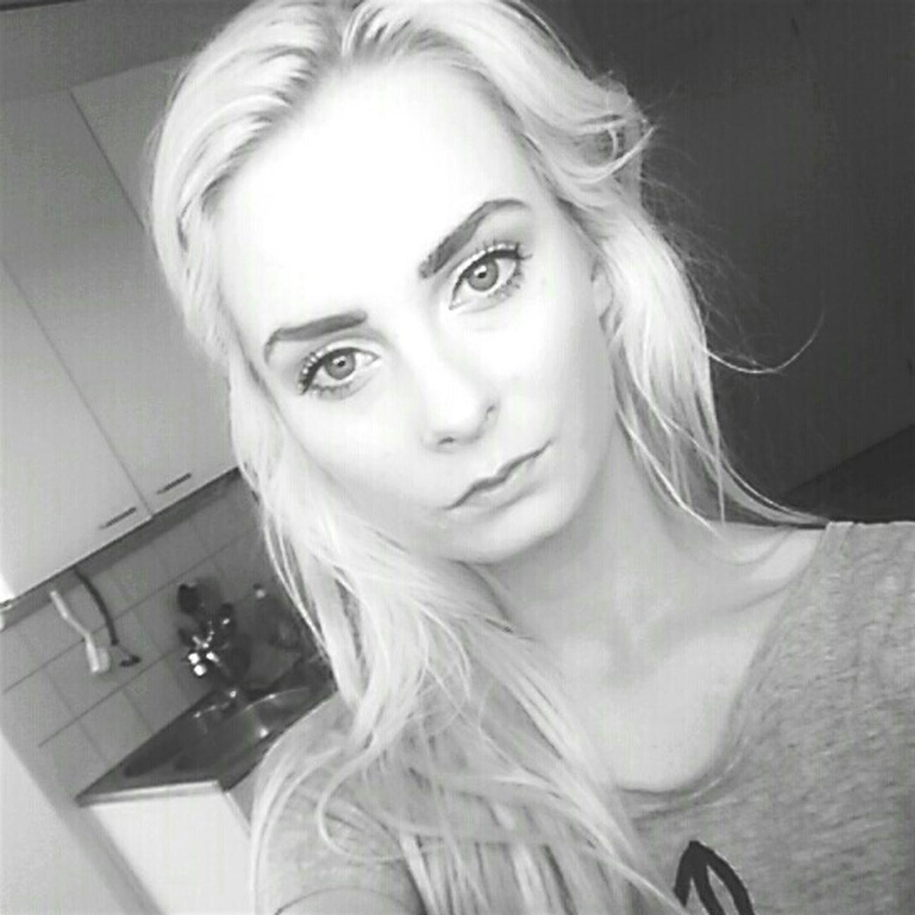 Morning Makeupoftheday Blondehairdontcare