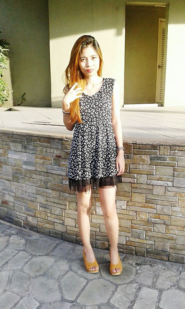 Hi! Its Me Just Chillin' Enjoying The Sun Hanging Out Relaxing Keeping It Simple Me Time ♥ Animal Print Ootd Stay True, Be YOU ❥ Express Yourself ❤ Be Yourself Simplicity Fashion&love&beauty My Blog http://jennyfashionillustration.jimdo.com