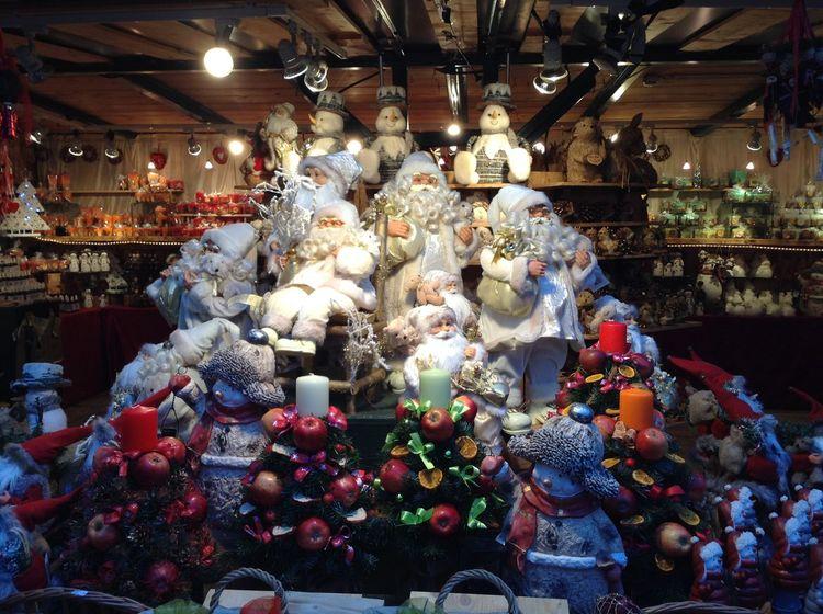 Snowmens in Salzburg Frosty The Snowman