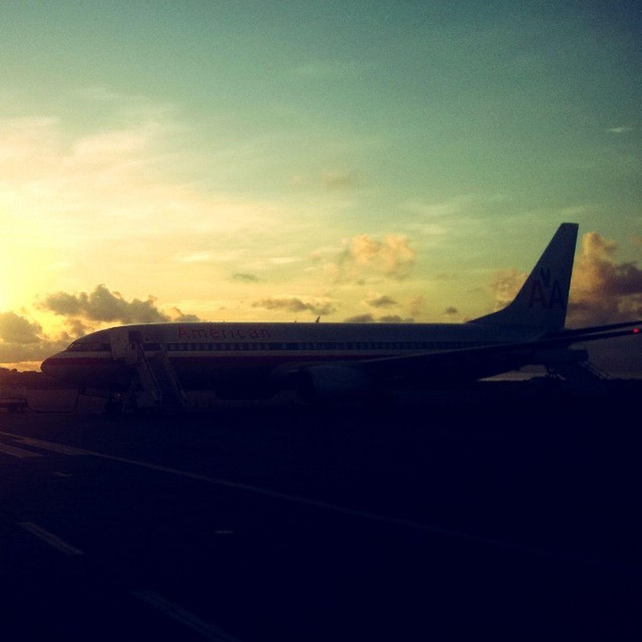 American Airlenes 727 Silhouettes Sunrise Grenada