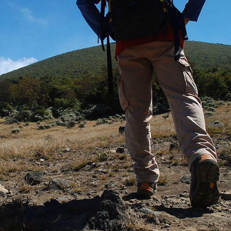 Mari Mendaki . . Seorang Pendakiindonesia berjalan dari Alunalunsuryakencana menuju Puncakgunung Gedepangrango Westjava . . . 2009, Nikond80 Indomountain Hiker Backpacking Vibram Camping TheNorthFace Travelingram Mountain