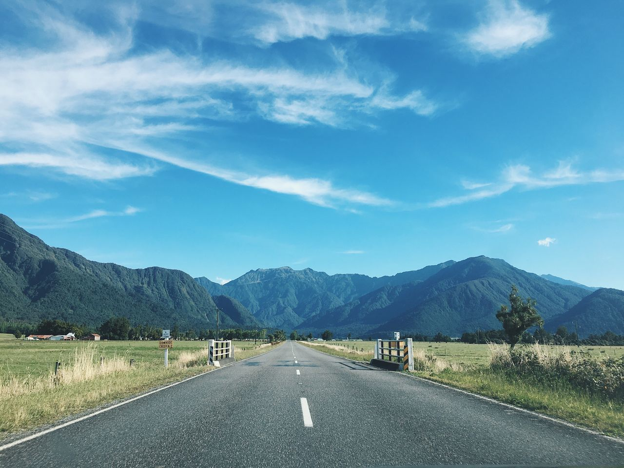 Road Mountain Sky The Way Forward Mountain Range Scenics Day Non-urban Scene Landscape Beauty In Nature Tranquility Outdoors Nature Winding Road Open Road New Zealand Empty