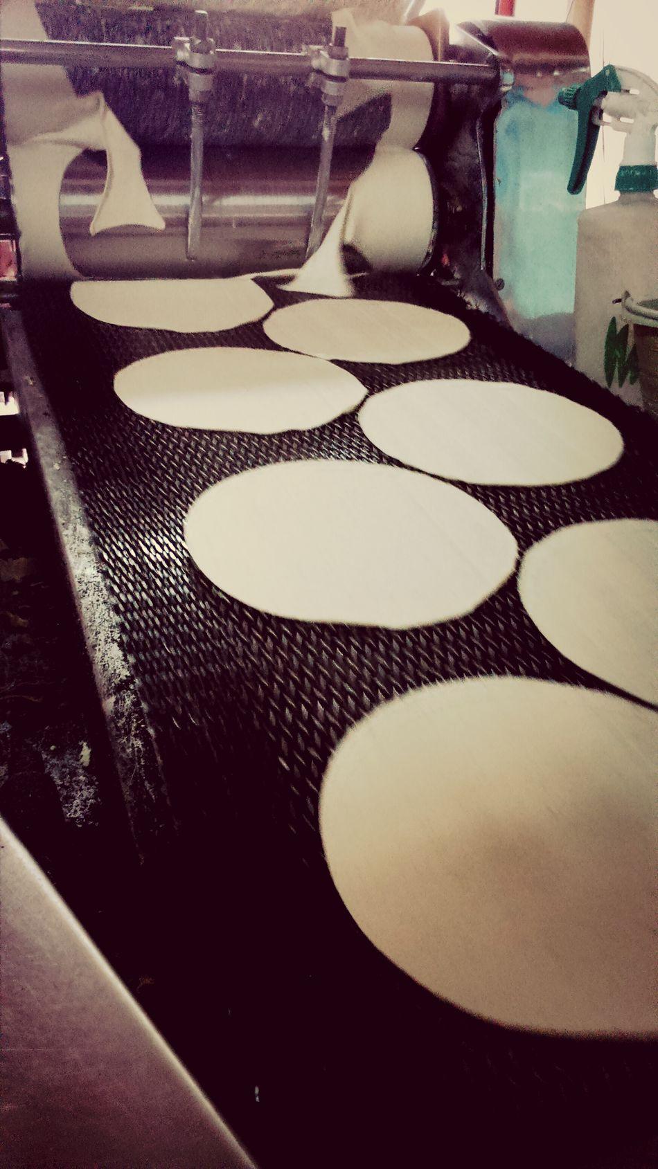 La tortilla es de México. Tortilla Máquina CreadoraDeTortilla AlimentoBásico