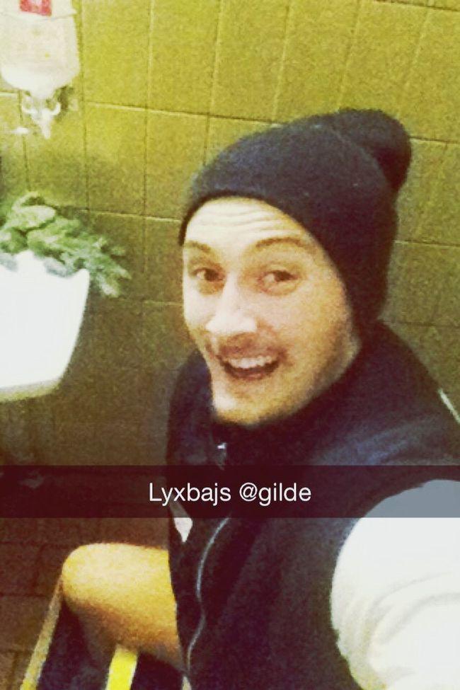 Hanging Out Lyxbajs Vagörho Relaxing Enjoying Life Gay Hello World Christmasdump