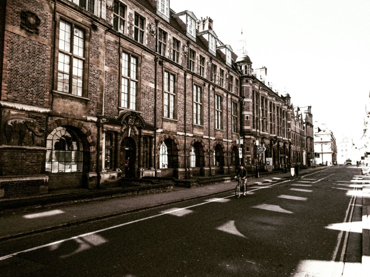 Retro Vintage Streetphotography Streetviewphotography Mobilephotography Manonabike Architecture Buildings Sunlight And Shadow Taking Photos