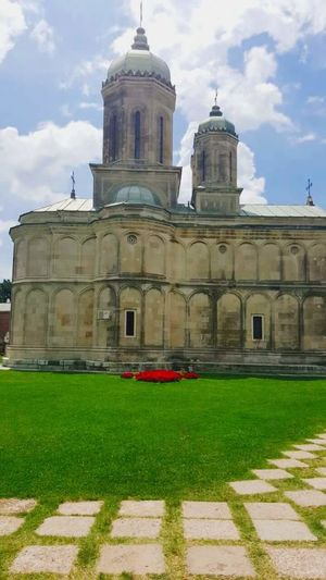 TakeoverContrast Architecture Built Structure Building Exterior Religion Façade Grass Lawn Spirituality Church Dome Cathedral Place Of Worship Sky Travel Destinations Cloud - Sky Day In Front Of Outdoors Growth Footpath