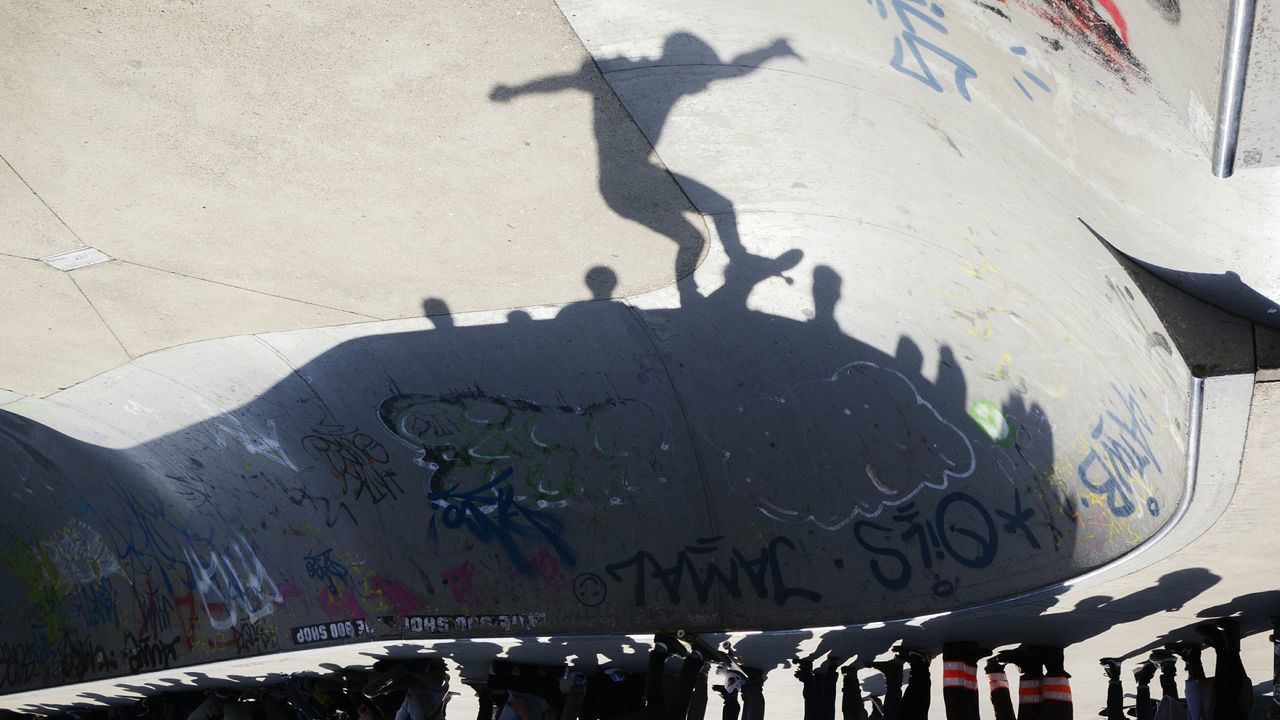 Skateboard Light And Shadow Silhouette Bowl Urban Sports The Action Photographer - 2015 EyeEm Awards Creative Light And Shadow Getting Creative