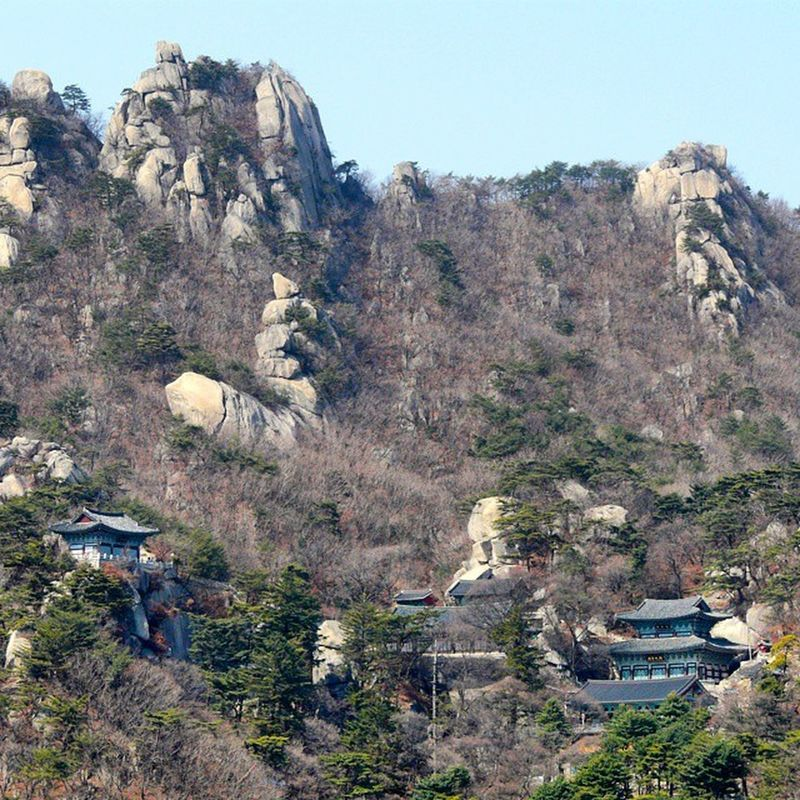 Hike in Bukhansan National Park National Park. Seizing the first warm and sunny days in Seoul! Bukhansan Hike Seoul Southkorea