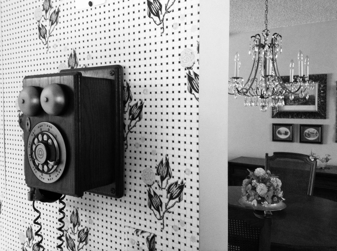 Antique Bnw_friday_eyeemchallenge Bnw Blackandwhite Telephone Black And White Black & White Rule Of Thirds