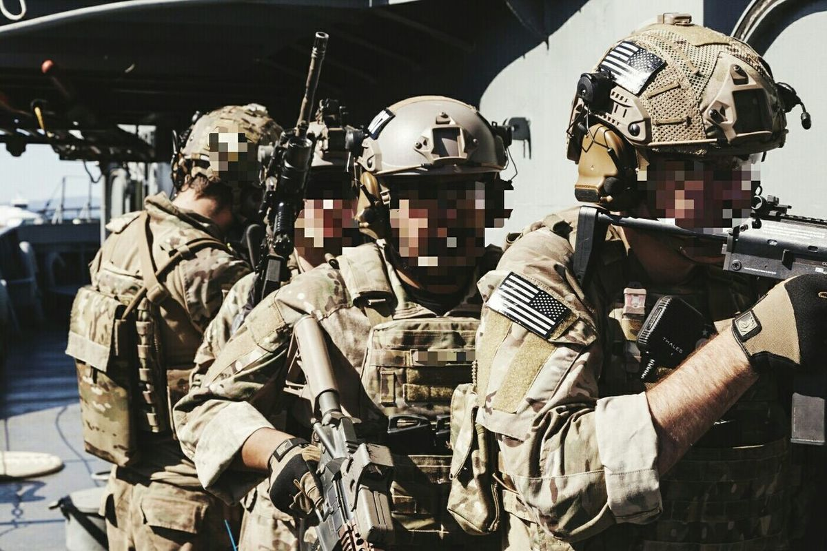 Training exercise. Boat raid, HVT extract, Zodiac exfil, breaching and clearing out terrorist cell, fire team 07. Training Multicam CryePrecision AVS Maritime Mk18 MP7 Breach Clear Persec