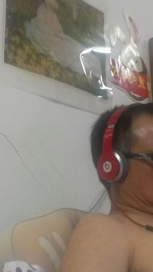 My dad wears Beats By Dr.dre haha it's so Weird:-D