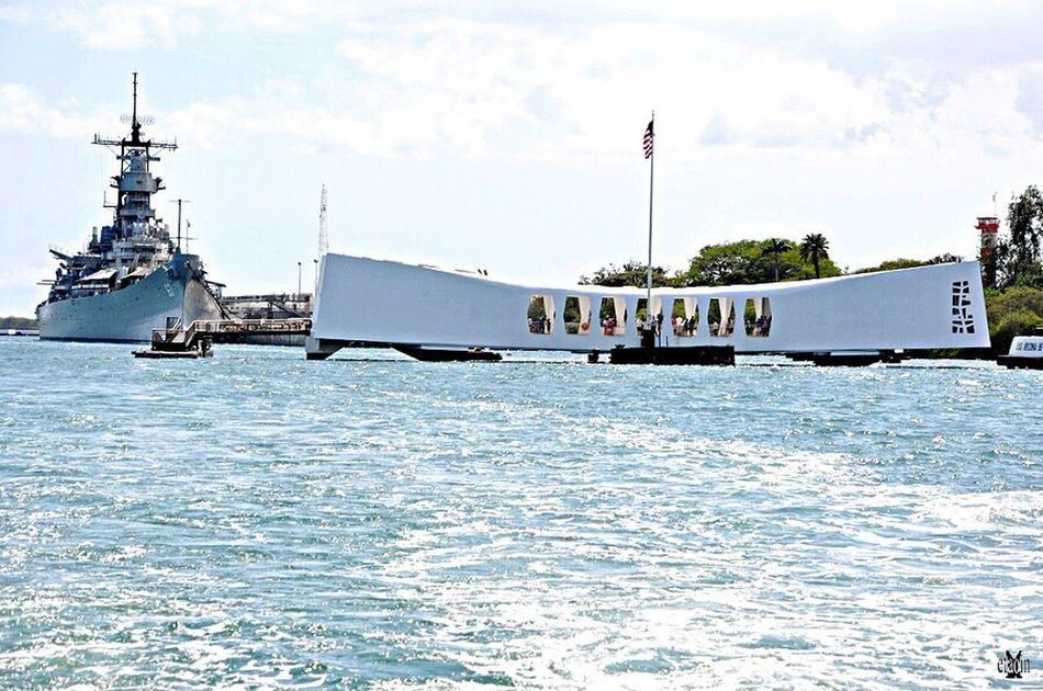 Hawaii Ussmissouri Arizonamemorial Memorial Day remembering from Italy Taking Photos
