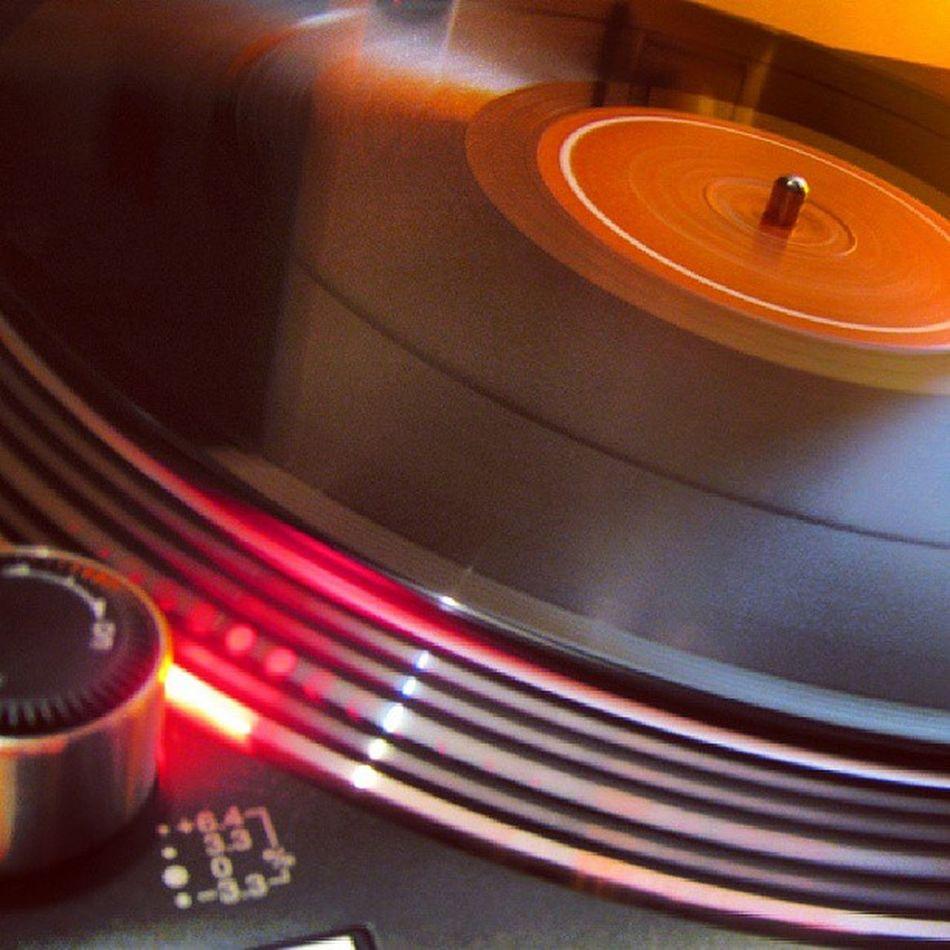 Dj Techincs Mk2 Mkii Muzic mix m6usb cool igers mixer muzic mix deejay dj cd disco club cash bull house techincs france pioneer numark ecler numark neo5 android instanight instagram igers igersnightclub instadj instalight instagood