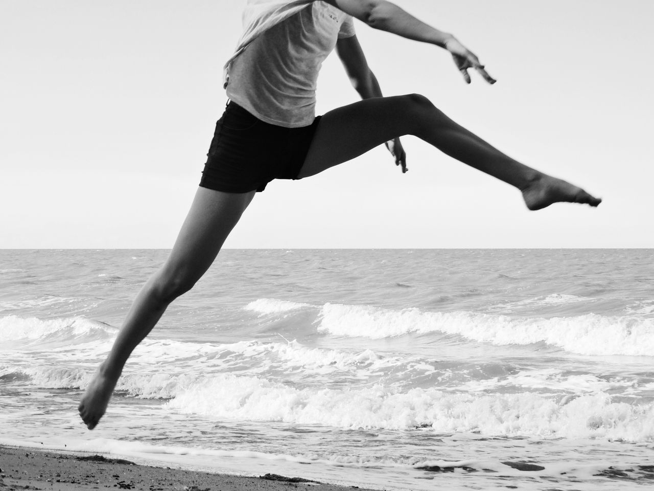 Welcome To Black Endurance Strength Young Healthy Healthy Lifestyle Sand Water Jumping Sports Sport Athletic Slim Woman Sportive Motion Vitality Athlete Mid-air Energy Lifestyles Beach Running Sprinting The Street Photographer - 2017 EyeEm Awards