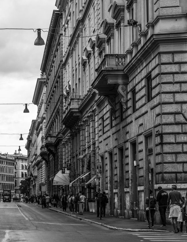 Architecture B&w Street Photography Black & White Black And White Black And White Photography Blackandwhite Blackandwhite Photography Building Exterior Built Structure Outdoors Roma Rome Rome Italy Street Photography Streetart Streetphoto_bw Streetphotography