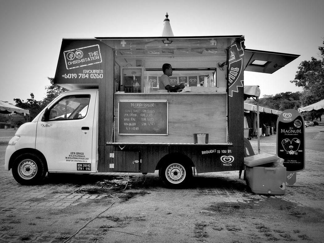 Great Food Truck Coconutshake EyeEm Best Shots - Black + White Blackandwhite Monochrome Eye4photography  IPhoneography Showcase: November