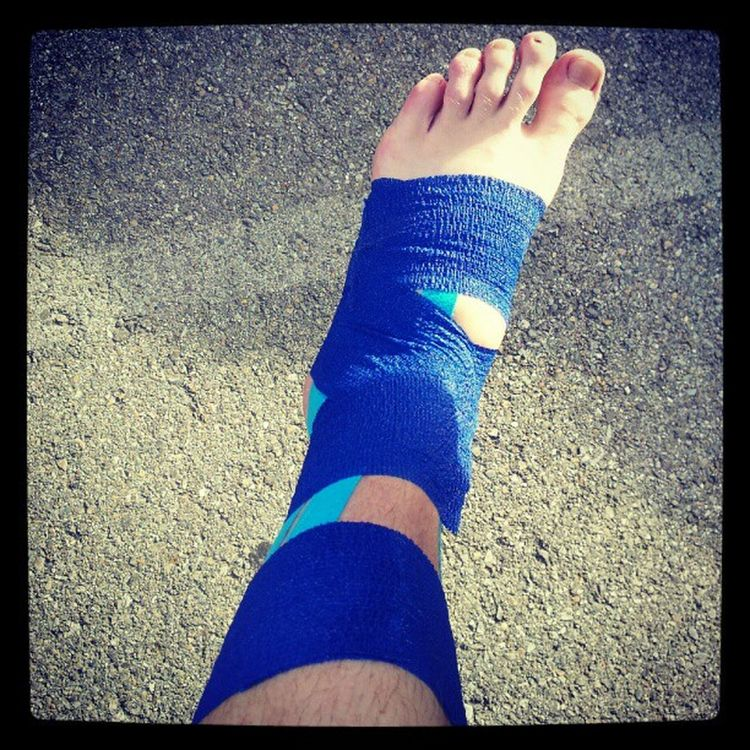 Stressfracture im not doing it w a cast. Ugh no Running for at least 4 weeks min. Boo
