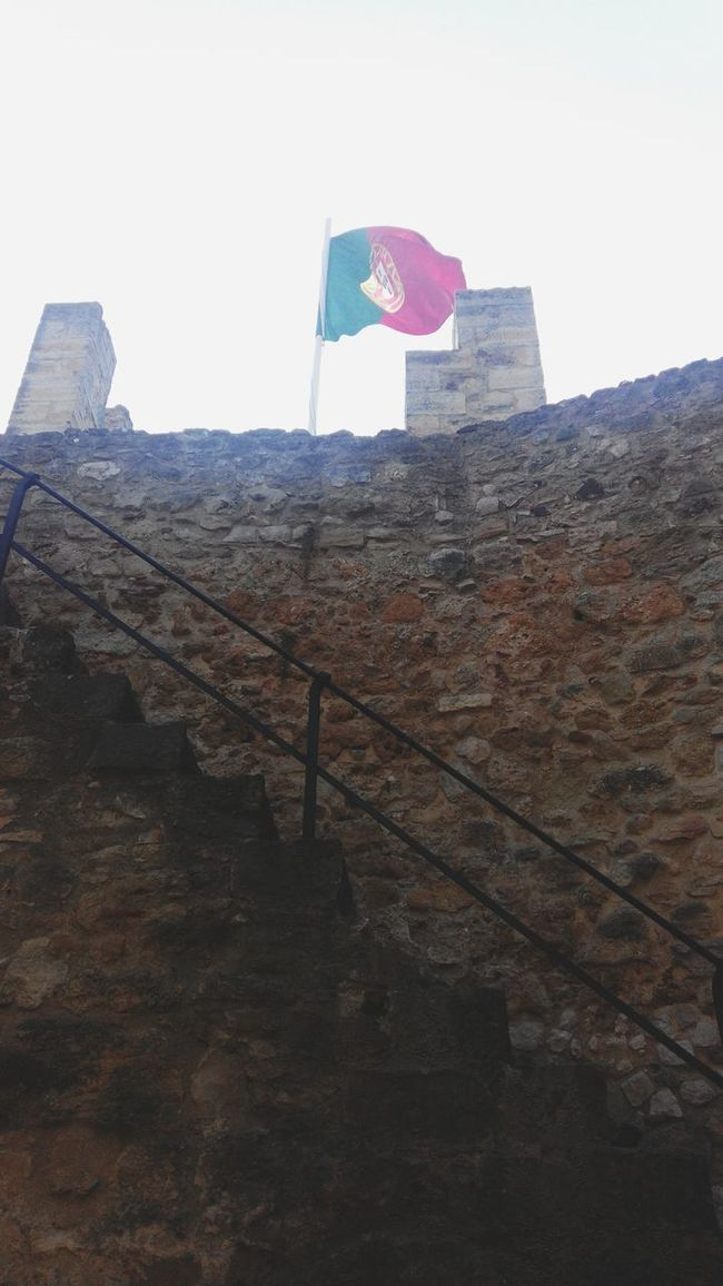 Castelo De São Jorge Portugal Walking On The Wall Lisbona Lisbonne Lisboa Castelo Travel Photography Lisbon Castelosdeportugal Castle Castle Walls Entering The Wall Entering The Castle Entering The Door