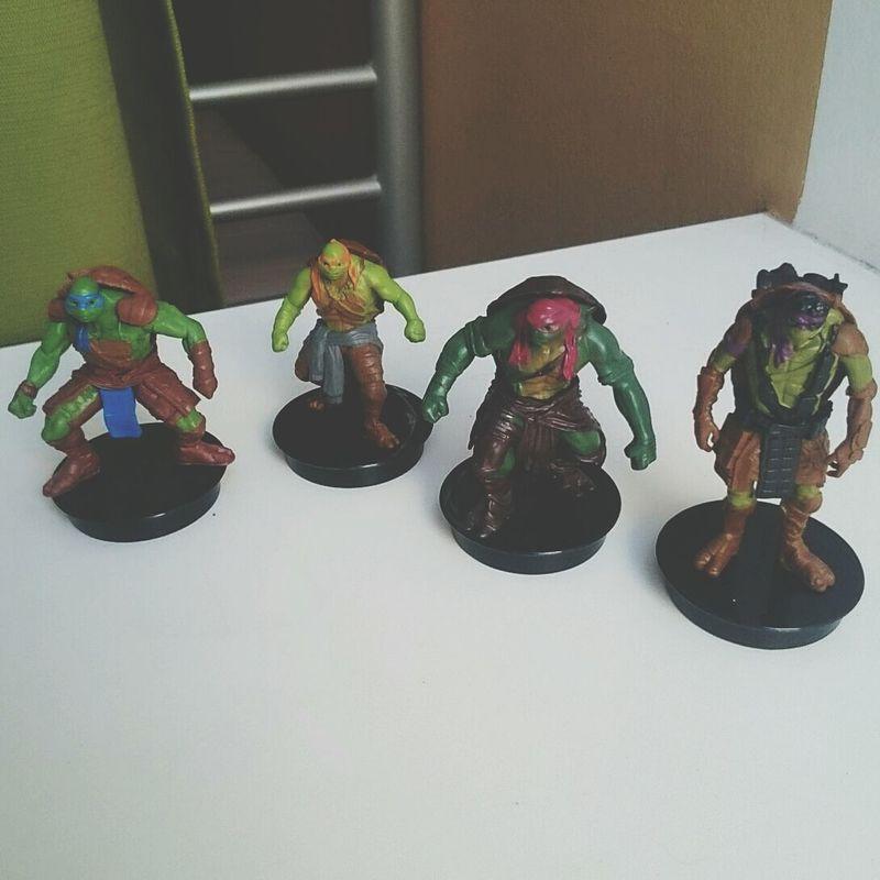 All gathered.:3 Figures Teenage Mutant Ninja Turtles  MOVIE Collection