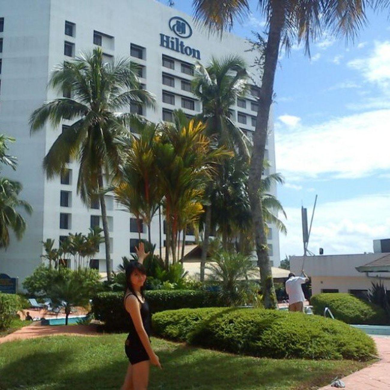 Happy Day! Hiltonhotel Swimming