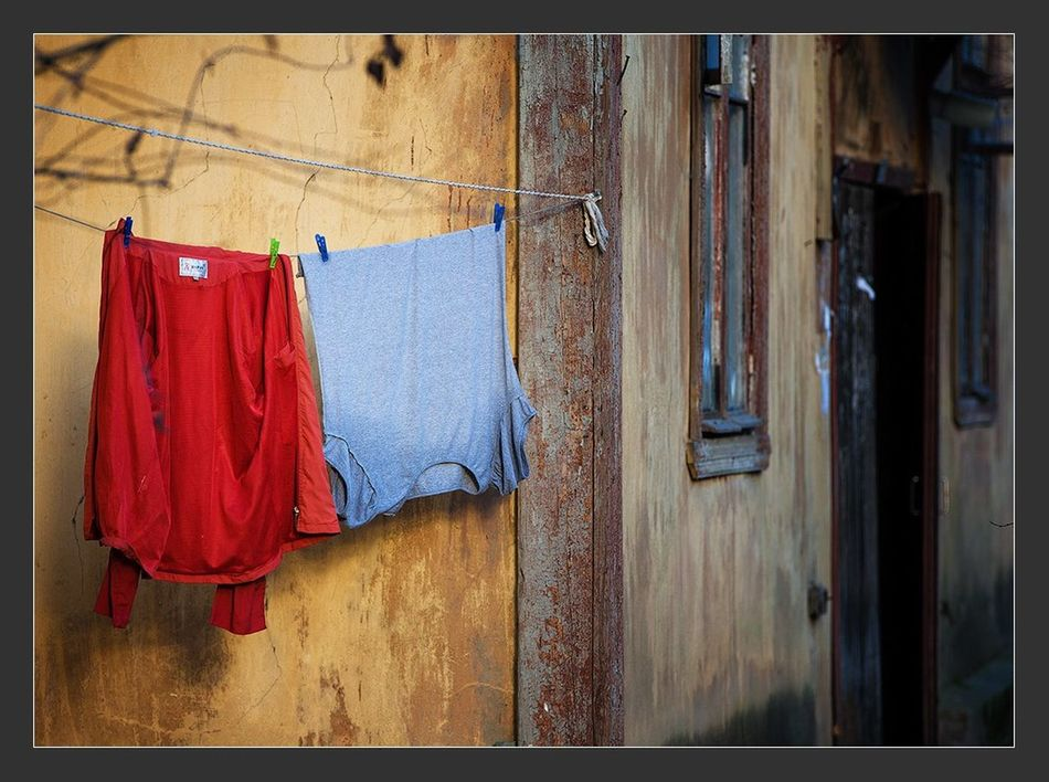 Clothing Window Façade Outside Laundry Building Exterior Wall Architecture Outdoors Day Spring Spring Has Arrived Spring Is Coming  City City Life Streetphotography Street Photography StillLifePhotography Still Life Canon EF 100-400 L IS USM Canon 5d Mark ıı