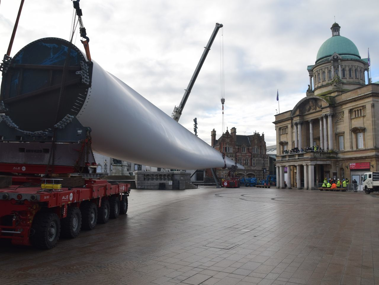 Siemens wind turbine blade is lifted into position in Hull's Queen Victoria Square (08/01/2017) during Hull 2017 City Of Culture Architecture Building Exterior City Hull Hull 2017 Hull City Of Culture 2017 Hull2017 Industry Outdoors Street Turbine Wind Turbine Working