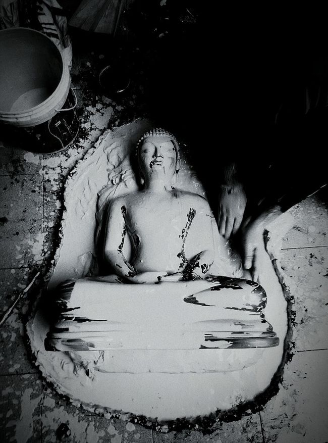 Buddha Statue Statue Black And White Photography Malephotographerofthemonth In Search Of Incredible The Traveler - 2015 EyeEm Awards The Tourist Q