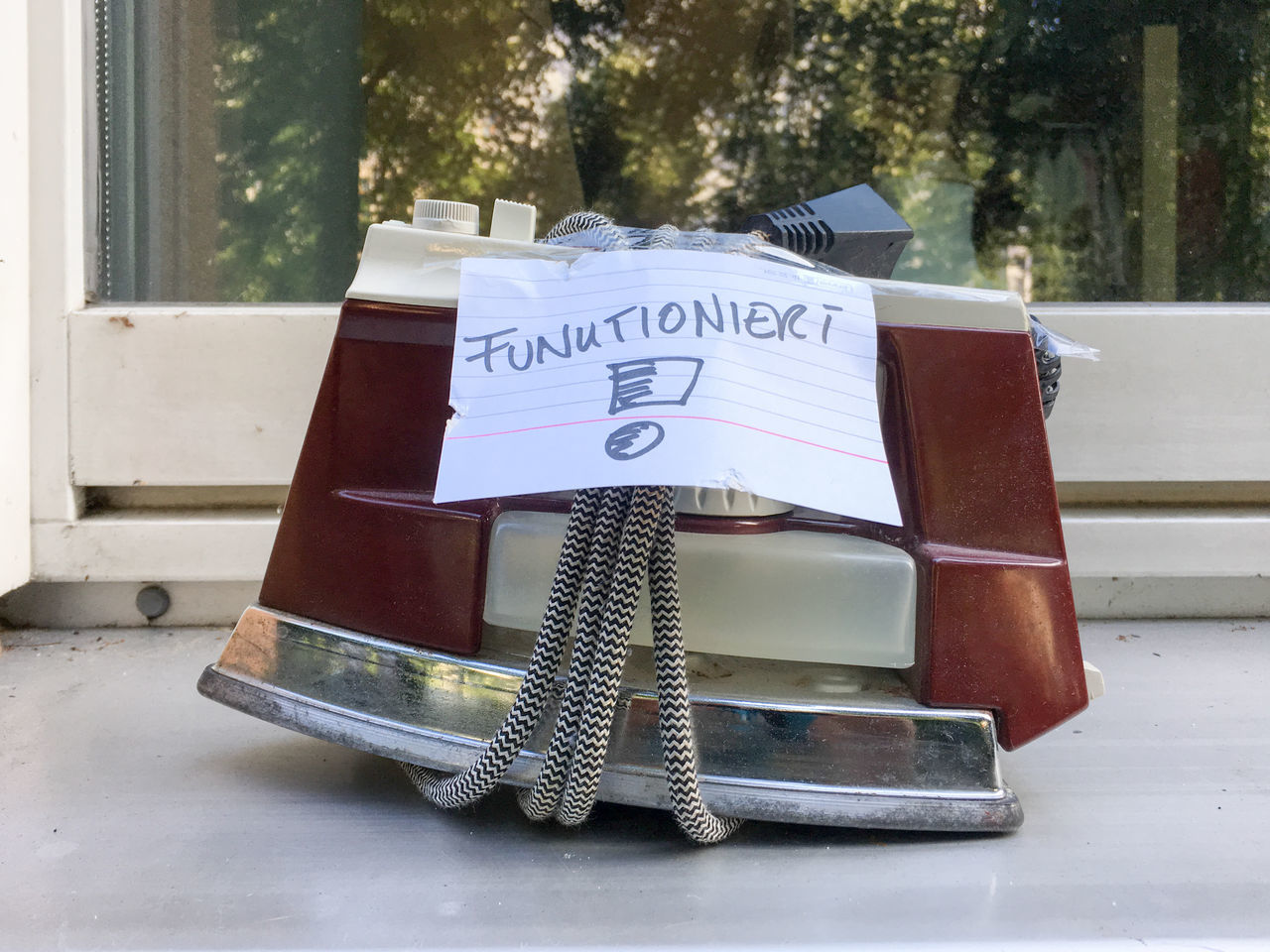 Iron Funny Pics Household Appliance Old Streetphotography Used