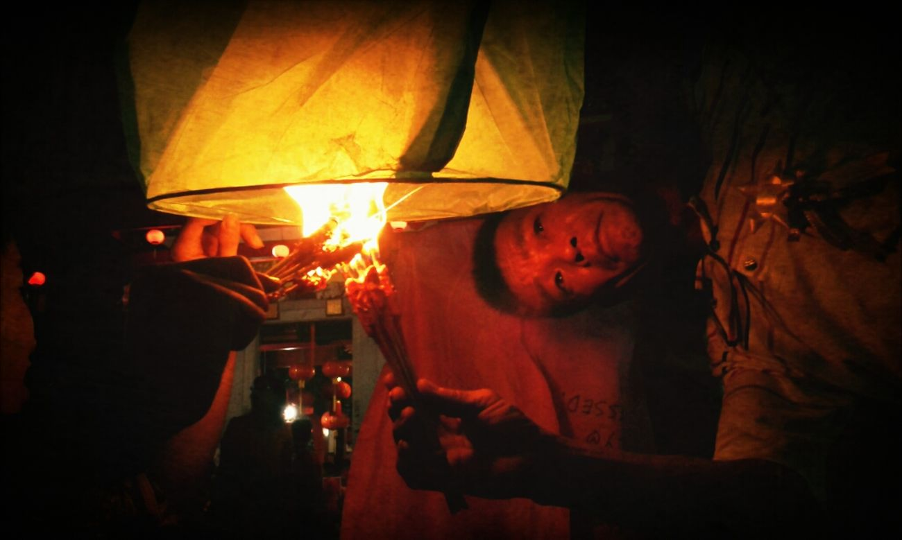 Burning the Flyin Lampion #chinatown #culture #senggarang #lampion Chinatown Culture Tanjungpinang Senggarang