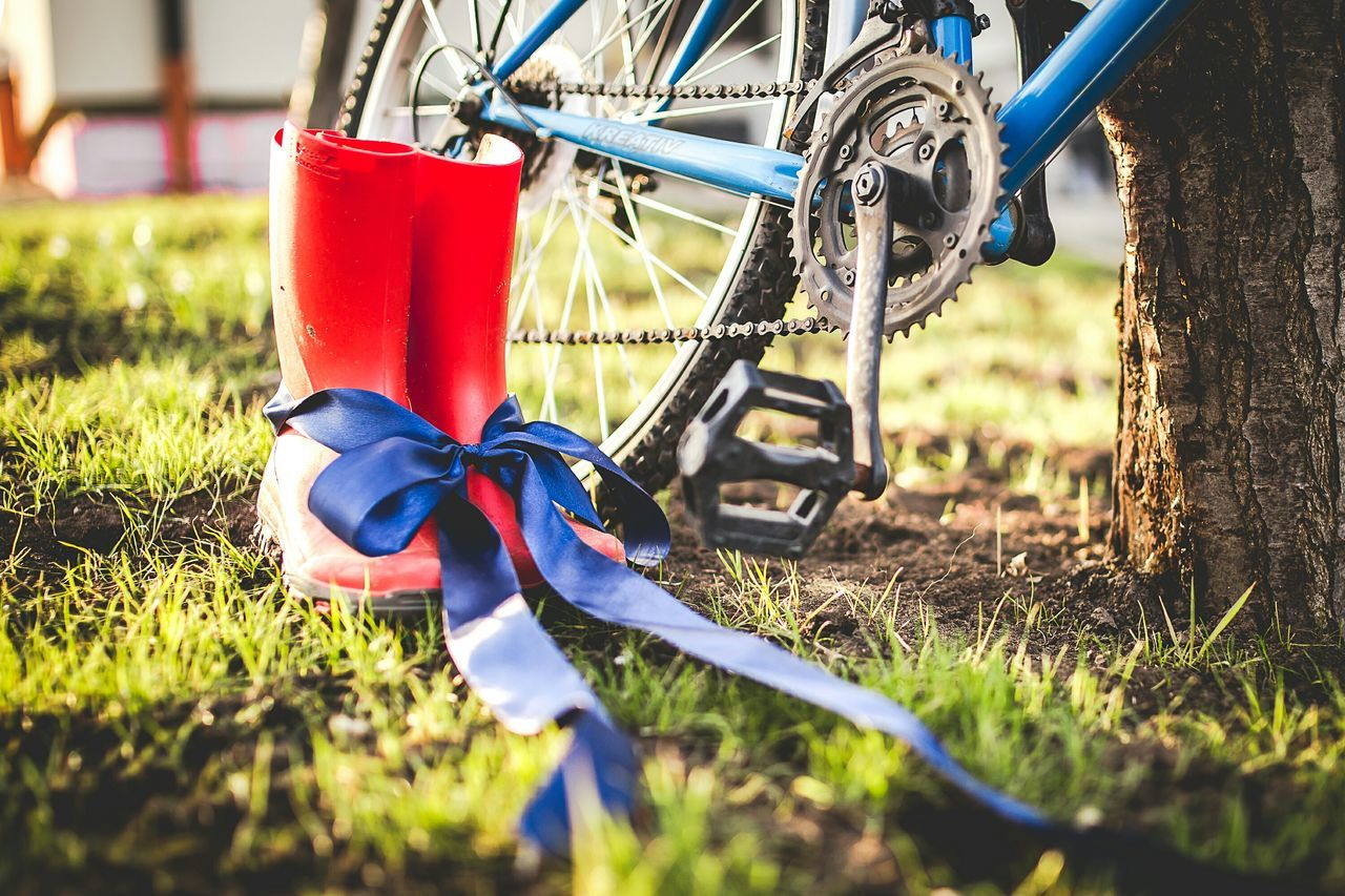 Beautiful stock photos of bow, Absence, Bicycle, Bicycle Chain, Blue