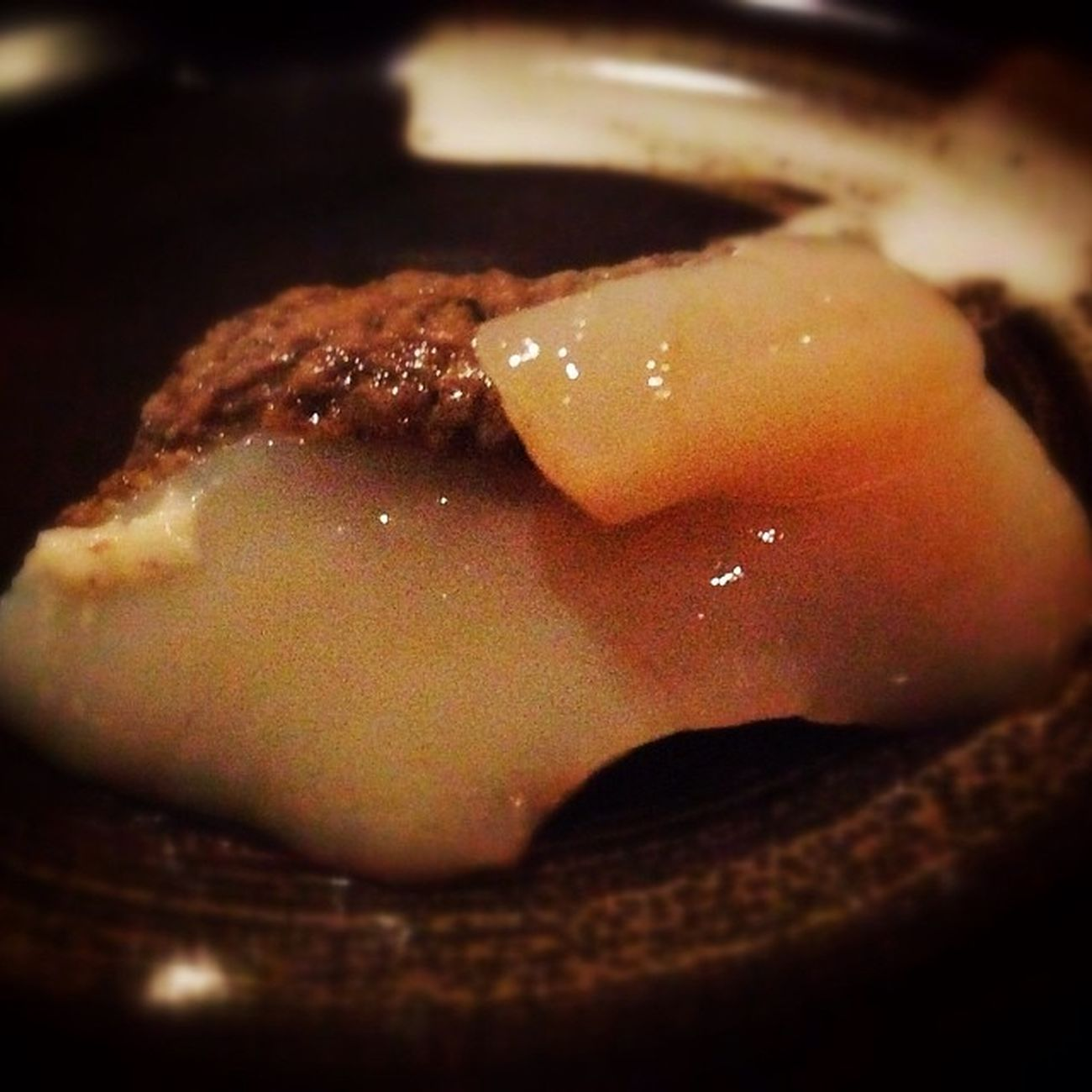 More Foodporn in Taipei!scallop sashimi with crab roe yum!!