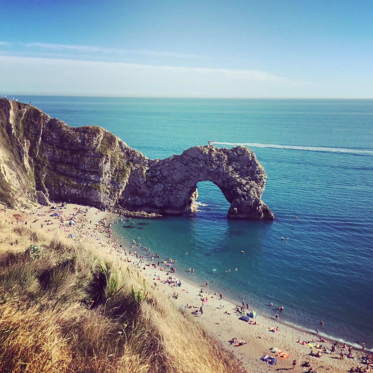 Sea Nature Scenics Horizon Over Water Beauty In Nature Tranquility Water Tranquil Scene Rock - Object Day Natural Arch Outdoors Beach Blue No People Sky EyeEmNewHere Travel Destinations Neighborhood Map Durdle Door The Great Outdoors - 2017 EyeEm Awards Jurassic Coast