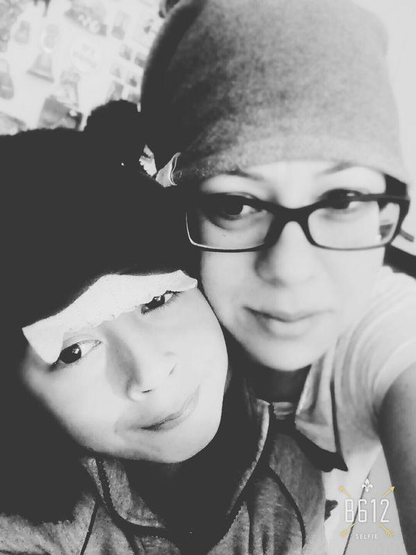Good morning... i m ok today 😊 Helloworld EyeEm Blackandwhite Bnw Eyeemblack&white Mumandson MySON♥ Love ♥ Hello World Selfportrait